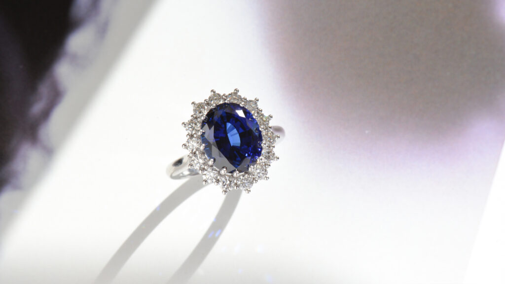Kate Middleton_blue sapphire ring